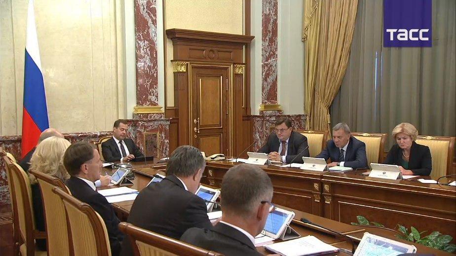 Медведев: вырученные от повышения пенсионного возраста средства пойдут на рост выплат