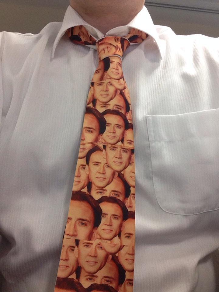 12. Любите ли вы Николаса Кейджа также, как этот парень? галстуки, странные люди