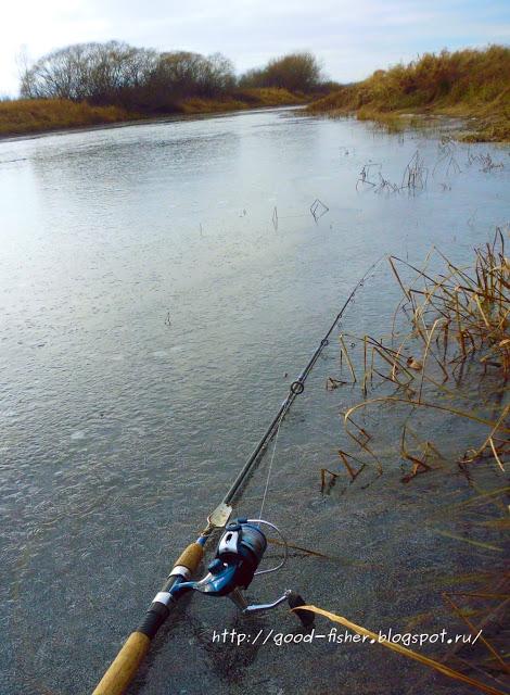 На реке в октябре.