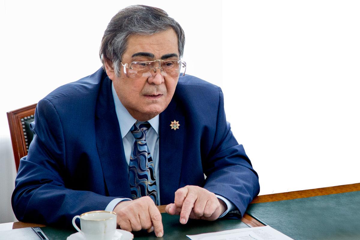 Жители Алтая попросили Путина отдать регион Тулееву