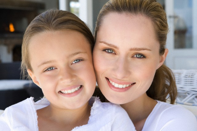 Картинки по запросу 10 способов обмануть возраст и выглядеть намного моложе своих лет