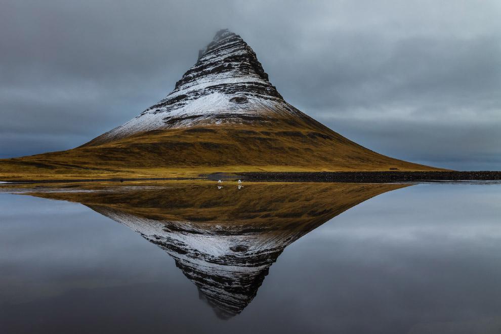 Киркьюфетль — гора в западной части Исландии