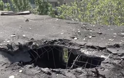 Ппоследствия артудара ВСУ по посёлку Гольмовский на Донбассе
