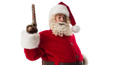 В Петербурге вооруженный Дед Мороз попытался ограбить два магазина за 20 минут