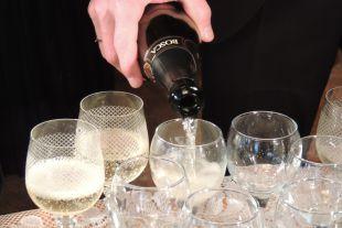 Грозят ли россиянам перебои с алкоголем на новогодних каникулах?