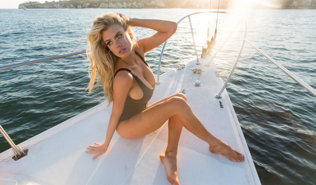 Шарлотт МакКинни: девушка года по версии Men's Health