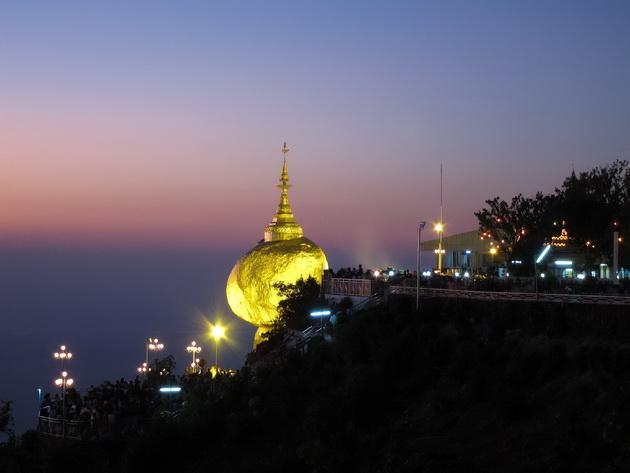 Пагода Чайттийо (Kyaiktiyo Pagoda) - «Золотой камень», Мьянма