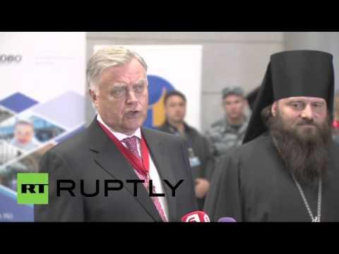 Благодатный огонь прибыл в Москву