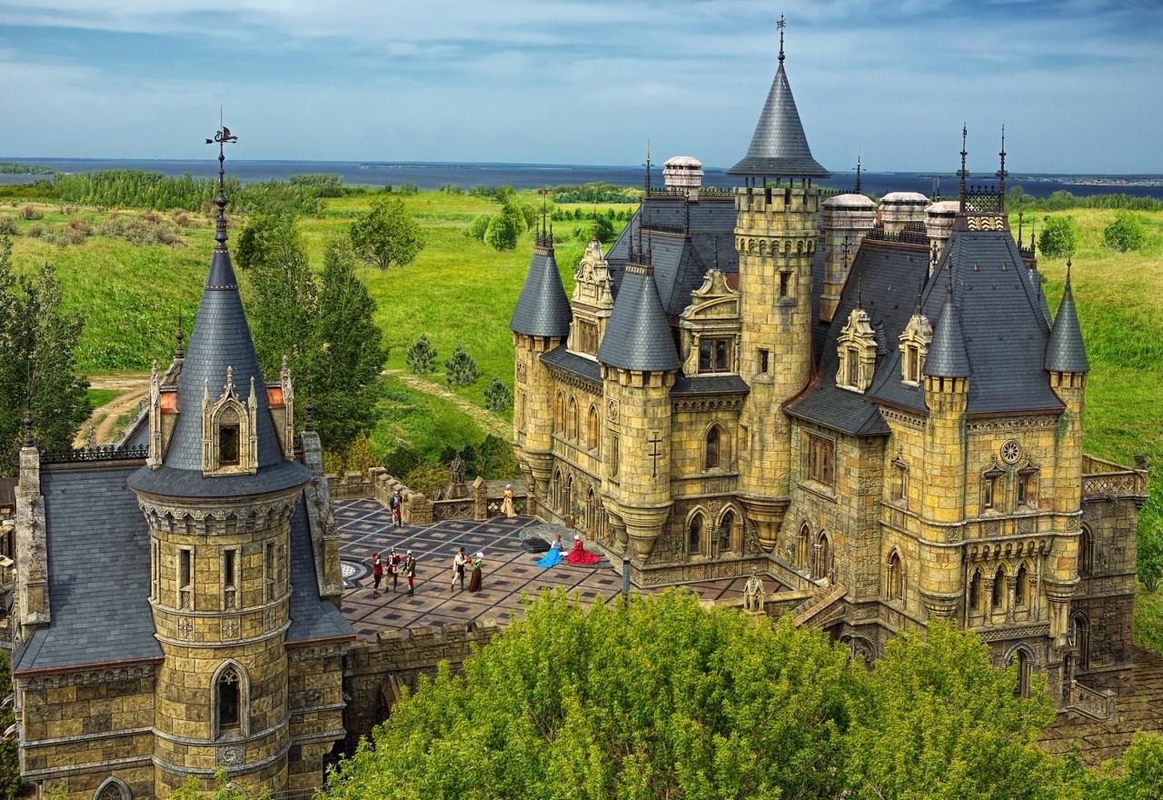 Замок Гарибальди в селе Хрящёвка Самарской области