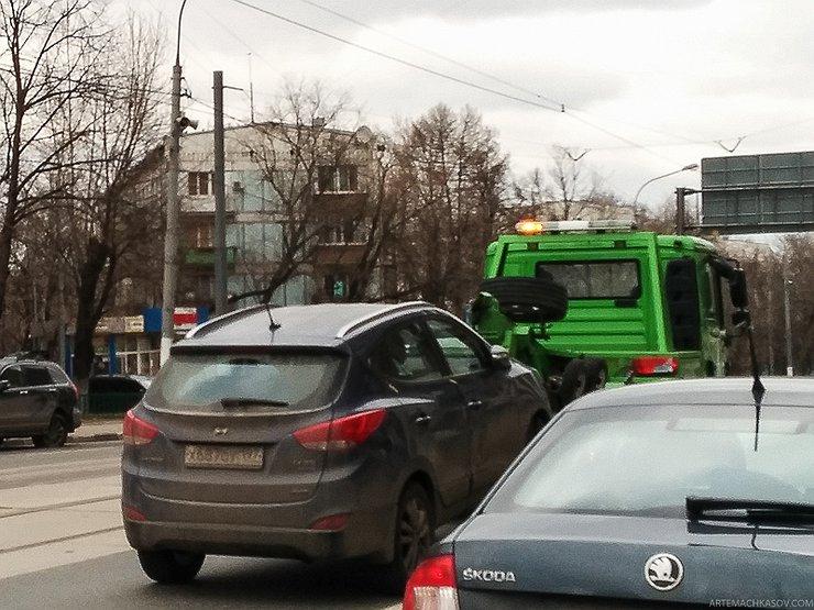Как эвакуаторщики ломают перемещаемые авто