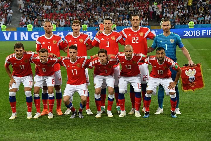 Черчесова и игроков сборной России по футболу наградят в Госдуме