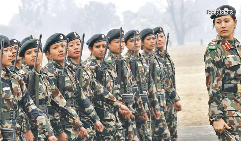 Девушки на службе в армии фото 2