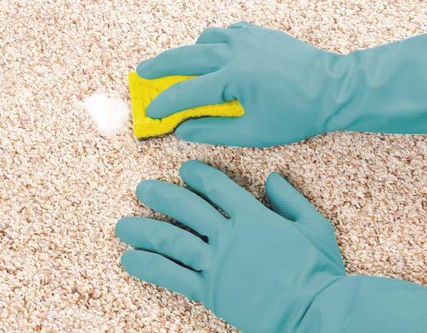 Как в домашних условиях эффективно почистить ковер