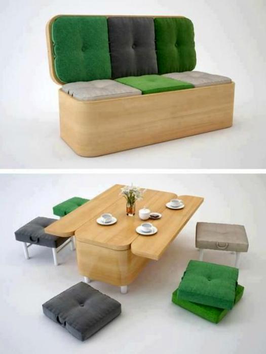Компактный диван превращается в большой стол и 6 табуреток.