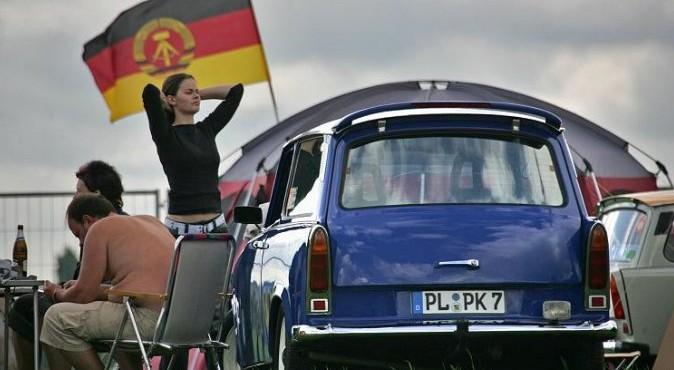 СССР нас бросил, а западные немцы ограбили и превратили в колонию