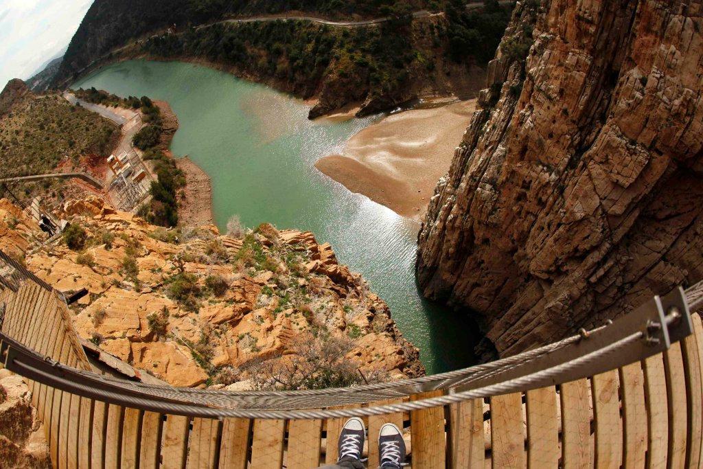 El Caminito del Rey - это одна из самых впечатляющих горных тропинок в Европе