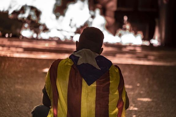 Не менее 35 человек пострадали в ходе акций протеста в Каталонии