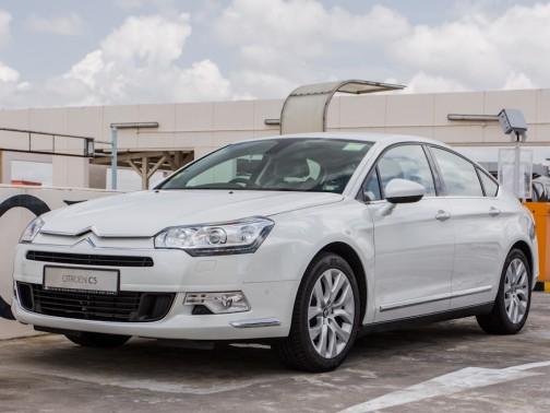 http://i.i-sgcm.com/new_cars/cars/10969/10969_g1.jpg