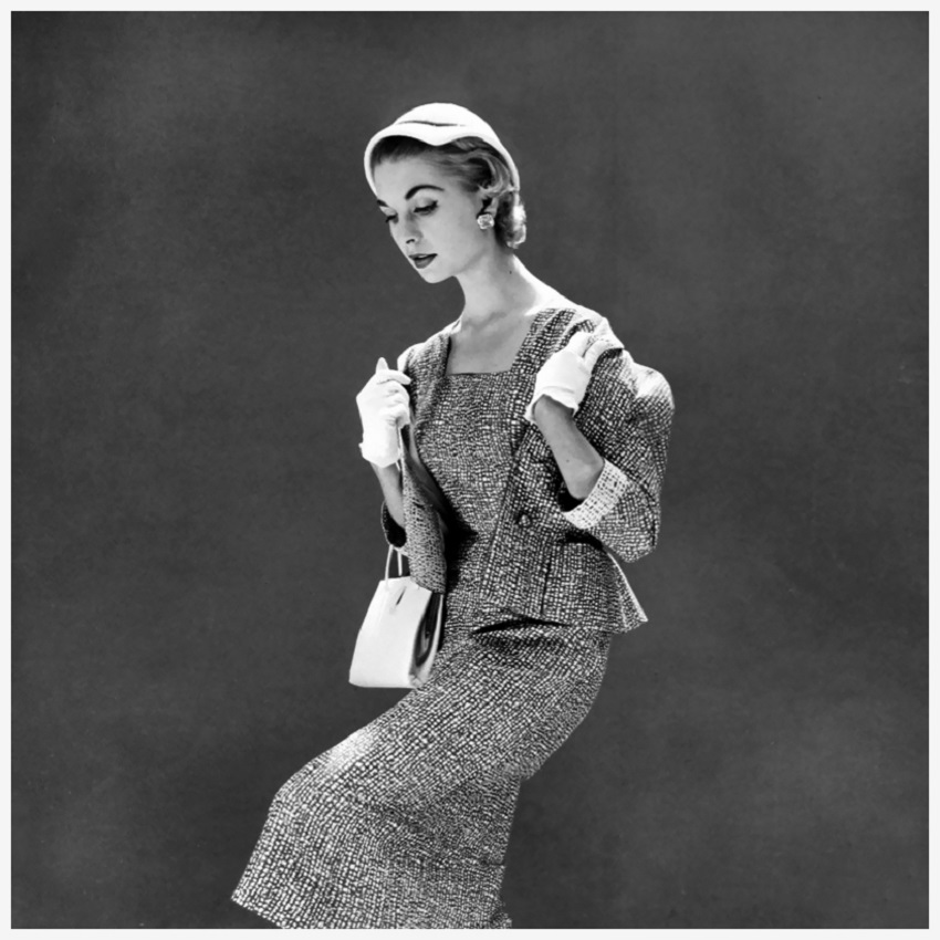 Suit by Jacqmar and cloche by Otto Lucas, photo by Norman Parkinson for British Vogue, April 1954 Photo Norman Parkinson.jpg