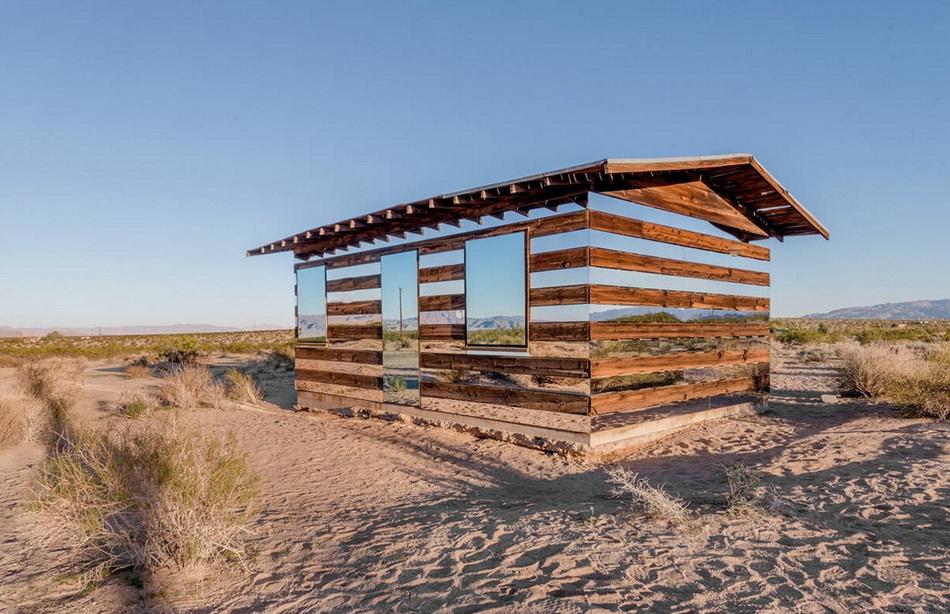 Дом-иллюзия в Калифорнийской пустыне