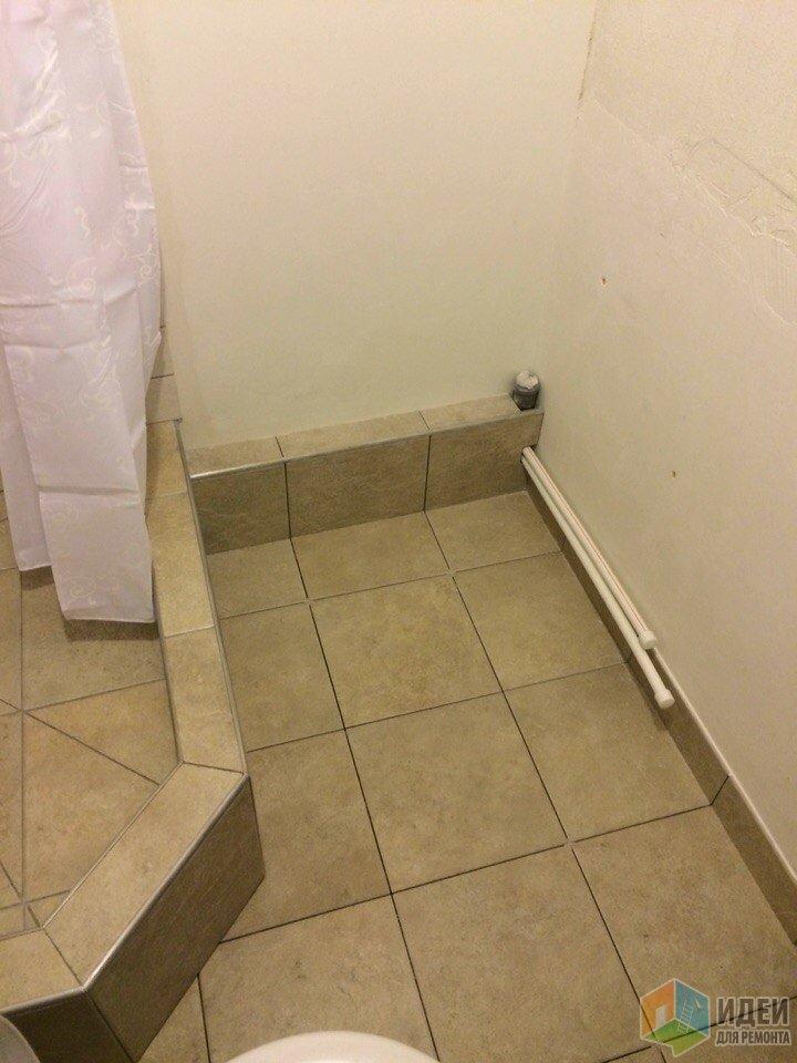 Ремонт ванной комнаты, возведение угловой душевой кабины