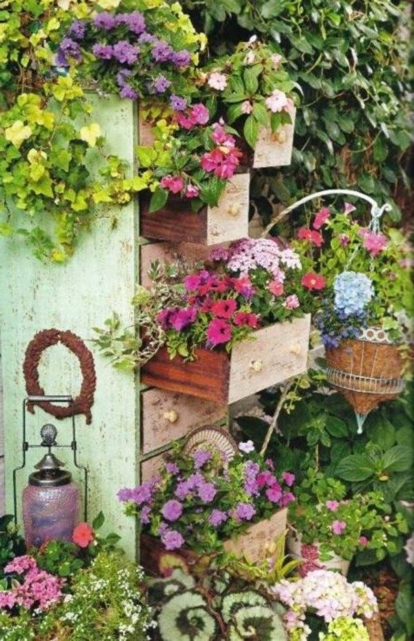 http://www.repostudio.org/wp-content/uploads/2013/06/container-beautiful-garden-ideas-600x929.jpg