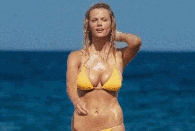 Видео дня: какой купальник б…