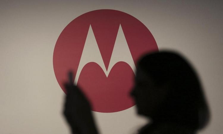 Смартфон Moto E5 Play показал лицо