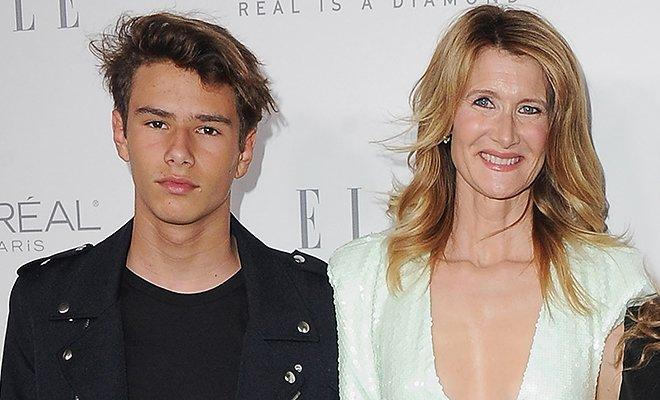 Сын Лоры Дерн дебютировал на подиуме в качестве модели