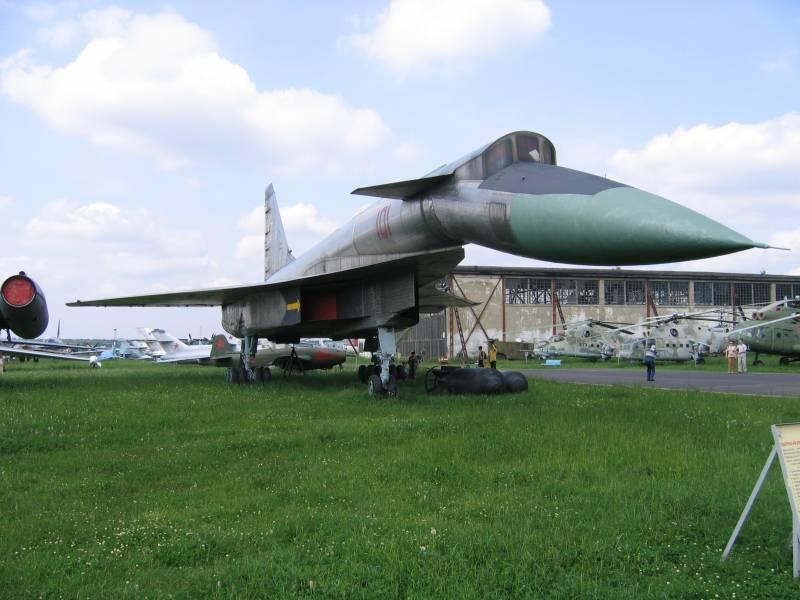 Т-4 «Сотка». Самолёт, не долетевший до будущего