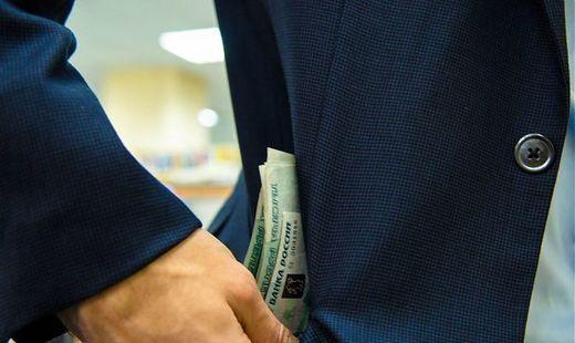Средняя сумма взятки в России превысила 200 тысяч рублей