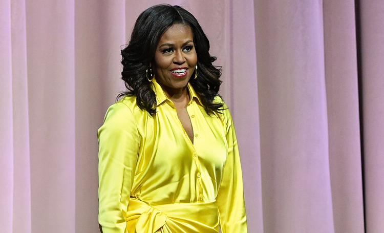 Мишель Обама представила свою книгу в золотых сапогах за 4 тысячи долларов