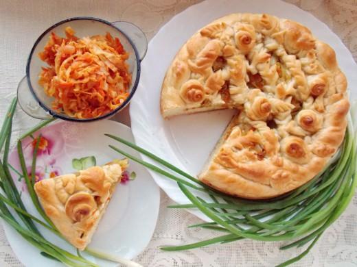 Капустный пирог, сытное и постное блюдо