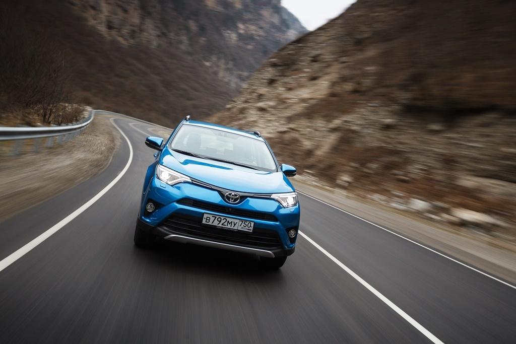 Обновленный Toyota RAV4: первое знакомство