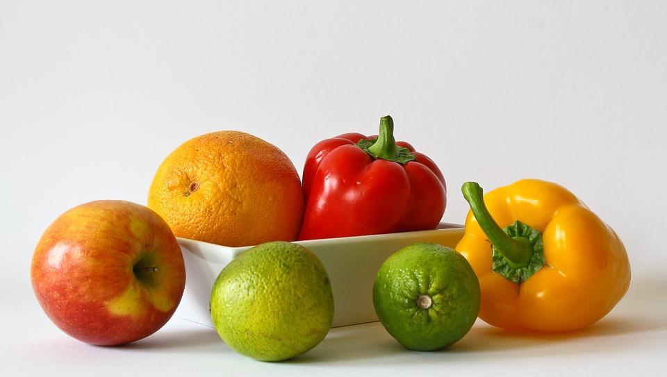 Названа сохраняющая здоровье порция овощей и фруктов