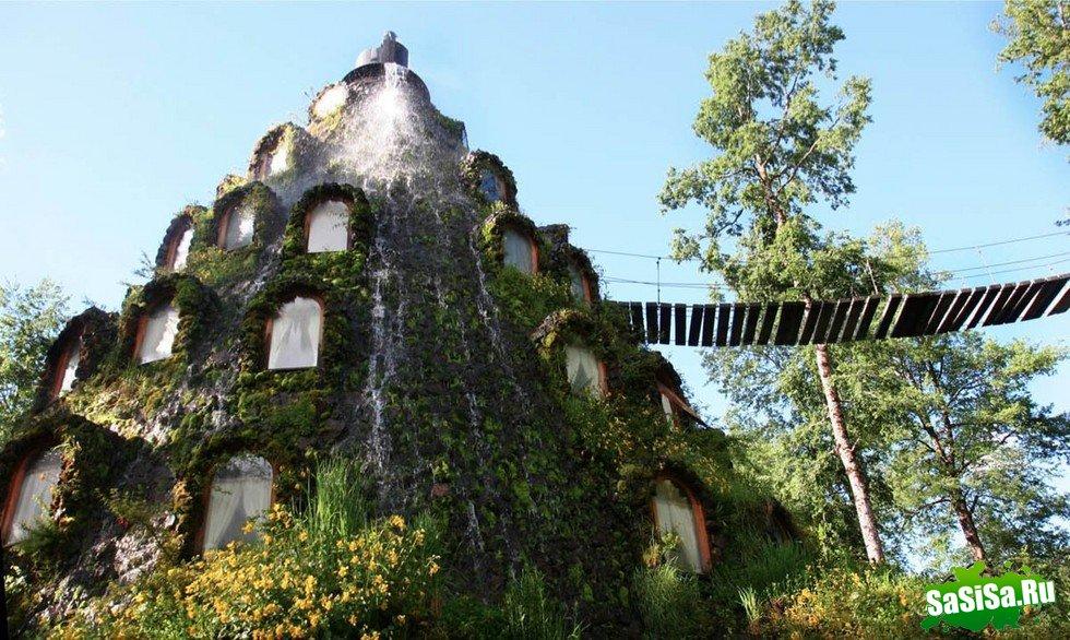 Сказочный отель Magic Mountain Lodge в лесу