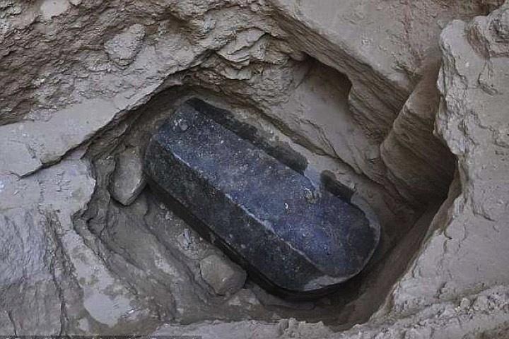 В Египте наконец-то вскрыли «саркофаг гиганта»