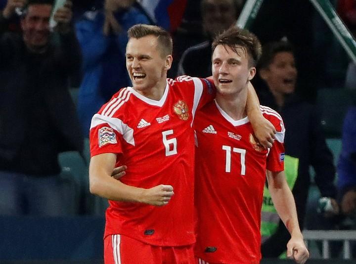 Россия победила в Сочи Турцию 2:0 и стала фаворитом на победу в группе Лиги Наций