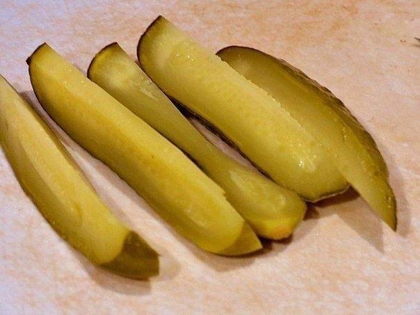 Фото к рецепту: Огурчики в шубке - это стоит попробовать