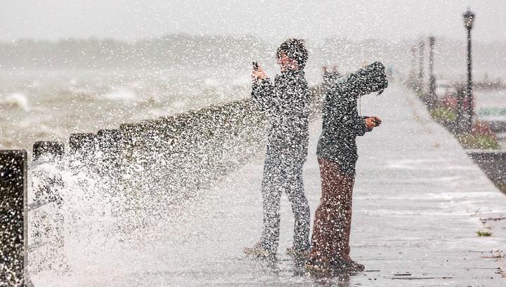 Жертвами наводнений и торнадо в США стали более 40 человек