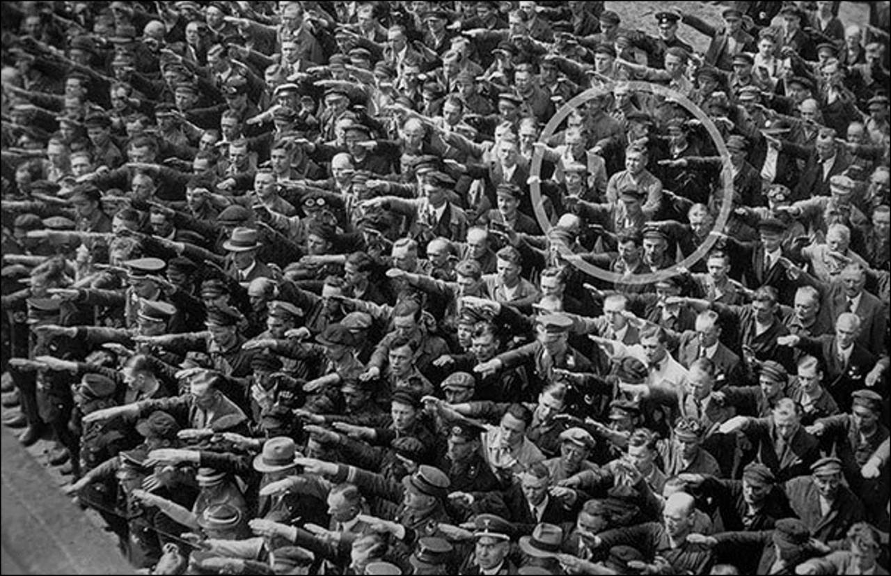 Человек, отказавшийся салютовать нацистам, 1936 Историческая фотография, история, факты