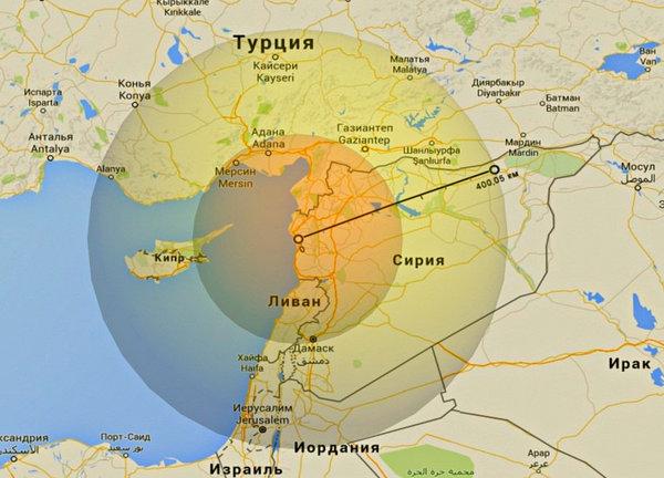 """Зона поражения С-400 """"Триумф"""" расположенного на российской военной базе в Латакии - внешний круг; зона поражения С-300В4 расположенной там же - внутренний диаметр; зону поражения поставляемых С-300 с дальностью от 150 до 300 км (в зависимости от типа ракет) не сложно определить по засечкам радиуса"""