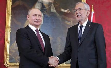 Анатолий Вассерман: Австрия смотрит вправо — на нас