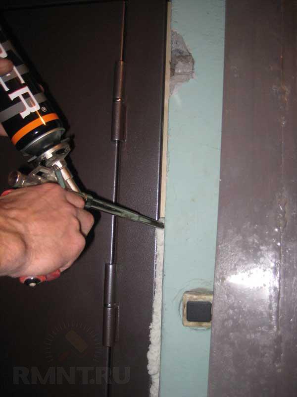 сколько по времени установить дверь железную