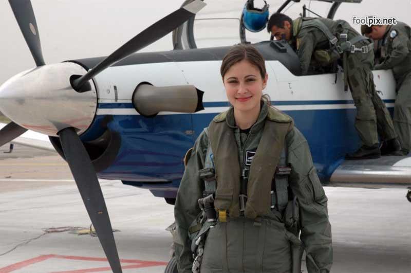 Девушки на службе в армии фото 13