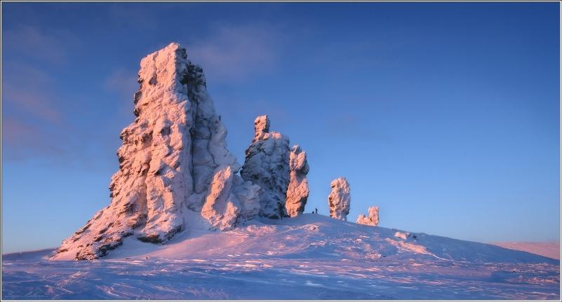 Столбы выветривания на плато Маньпупунёр