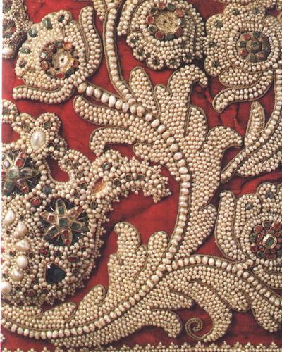 Уникальный вид древнерусской вышивки – «Сажение по бели»