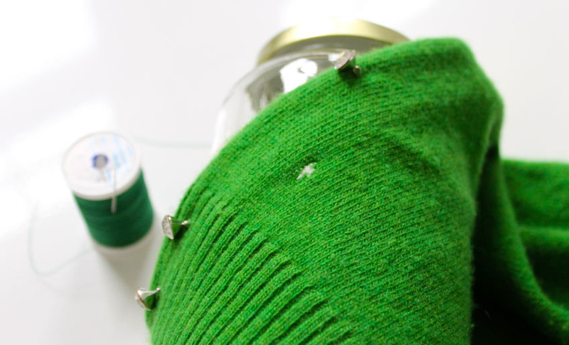 Как зашить дырку на любимом свитере