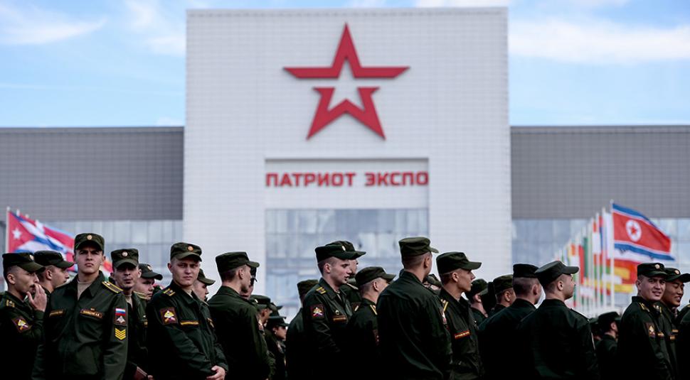 Будущие полковники и генералы: Более 500 депутатов и чиновников отправятся на военные сборы