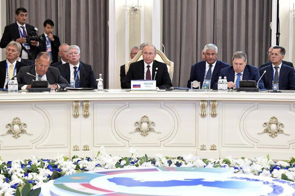 Путин назвал эпохальным Каспийский саммит в Актау
